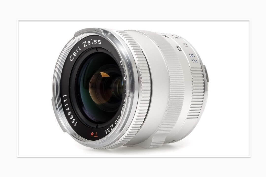 ZEISS-Ikon-Biogon-Leica-M-Lens-for-Street-Photography